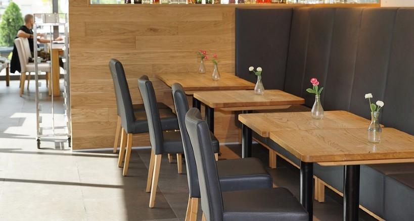 Mejores sillas para tu local de hostelería